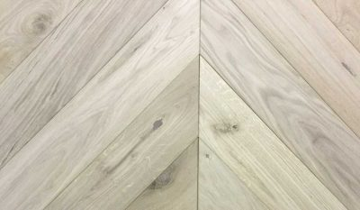 1 Strip 4mm x 16x120x600mm Euro Oak Rustic A/B Unfinished Chevron (45) 1.5mm bevel 4 sides (RIGHT), 723030265L,